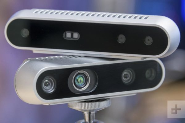 Intel® 實感™ 攝影機可提供深度感知與角度資訊。(資料來源:Digital Trends)